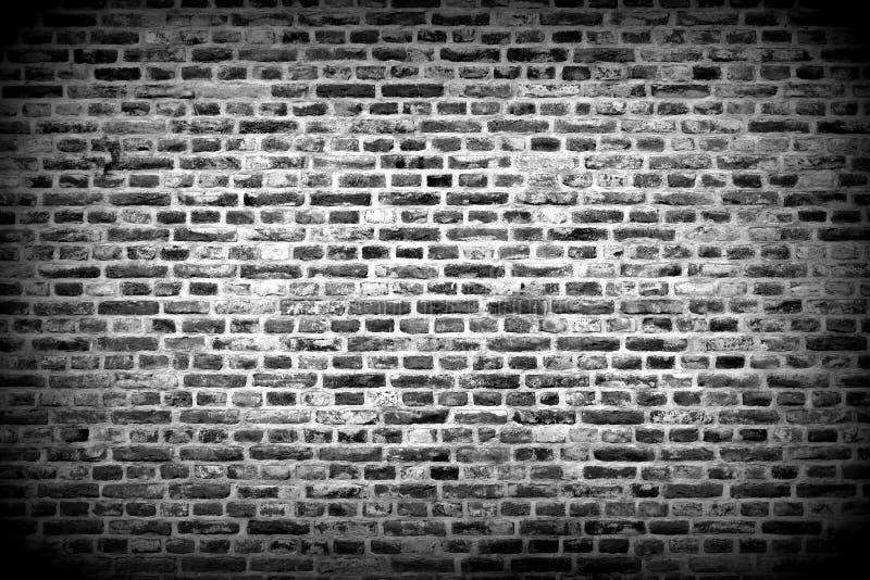 Horisontalbakgrund för tegelstenvägg med svartvita tegelstenar - royaltyfri fotografi