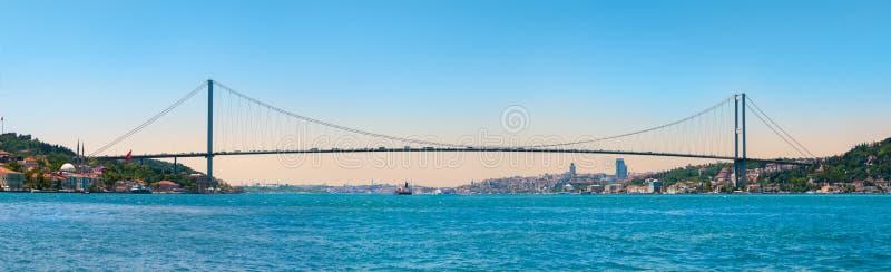 Istanbul Bosphorus överbryggar fotografering för bildbyråer