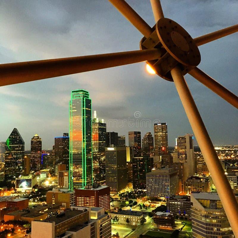 Horisonten av Dallas Texas arkivfoton