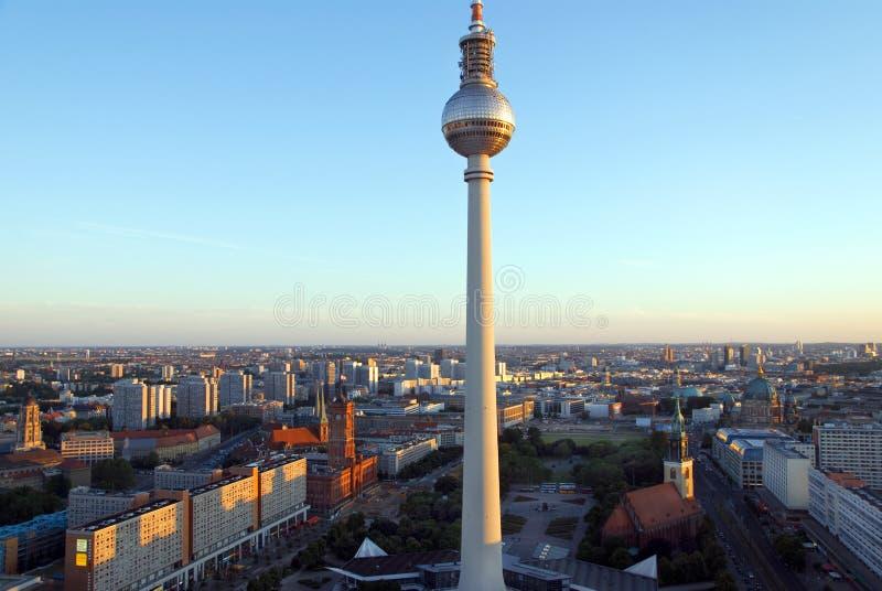 horisontsolnedgång för 2 berlin royaltyfri foto