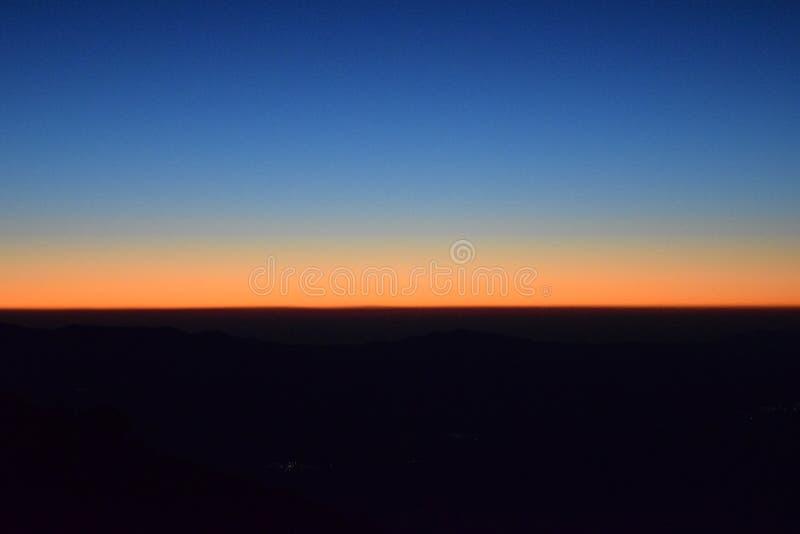 Horizon bij dageraad stock foto's