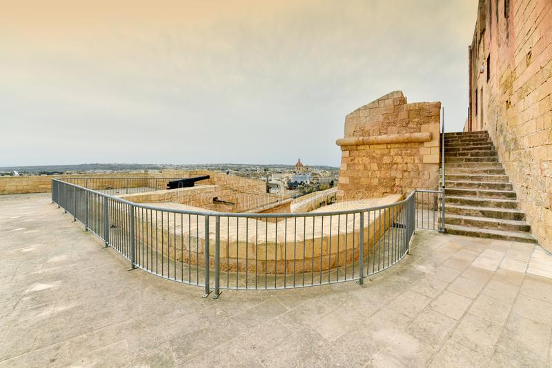 Horizon d'île de Gozo de forteresse de citadelle, Malte photo stock
