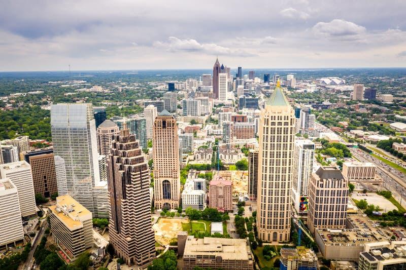 Horizon d'Atlanta de Midtown de vue aérienne photos stock
