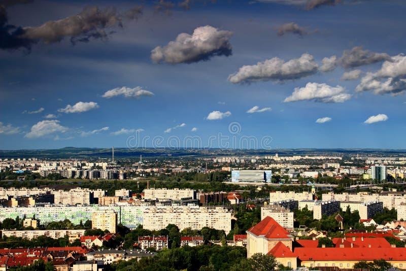 Horizon de Budapest avec l'arène de Danube, le lieu de rendez-vous pour 2017 FINA photos stock