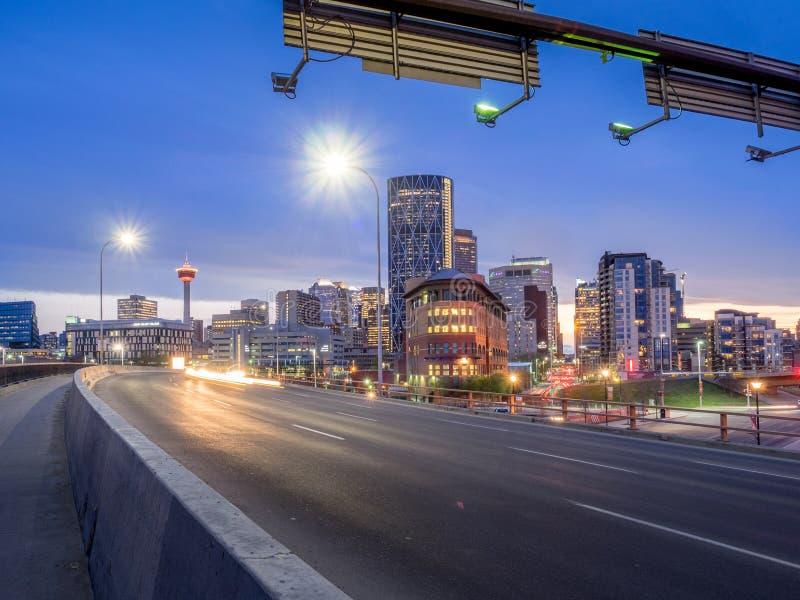 Horizon de Calgary la nuit photos libres de droits