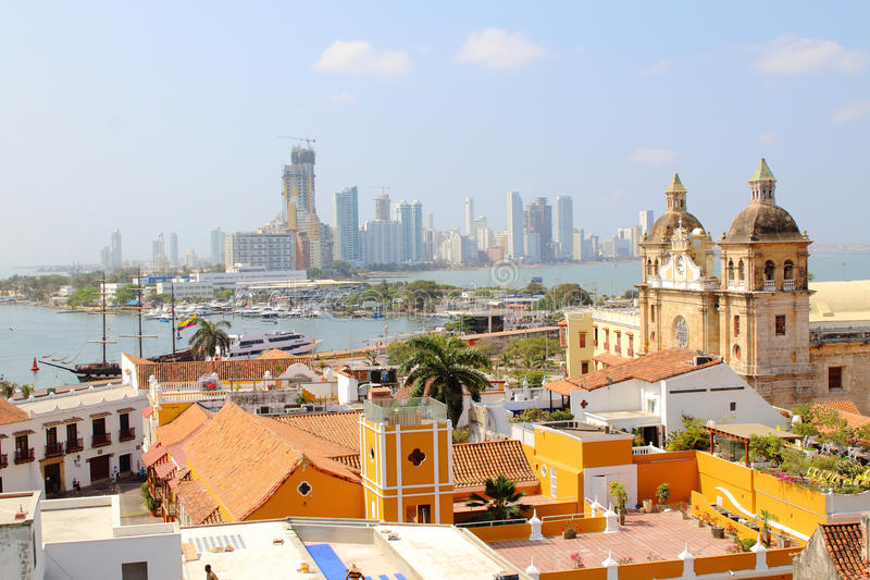 Horizon de Carthagène, Colombie Ville, bocagrande et port historiques photo stock