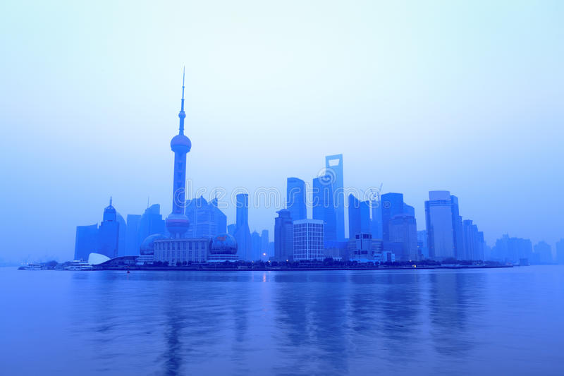 Horizon de Changhaï à l'aube photos libres de droits