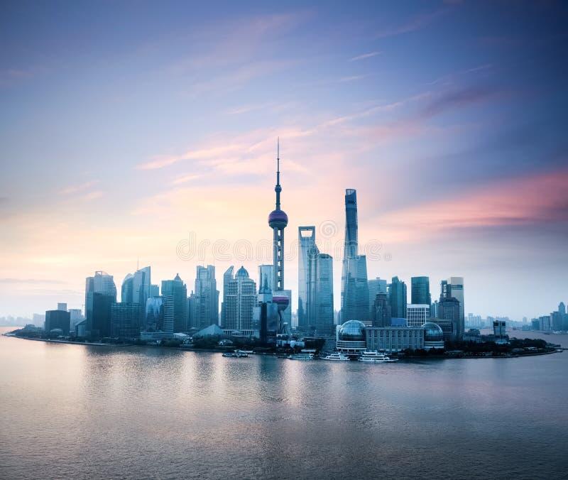 Horizon de Changhaï avec la lueur de matin images libres de droits