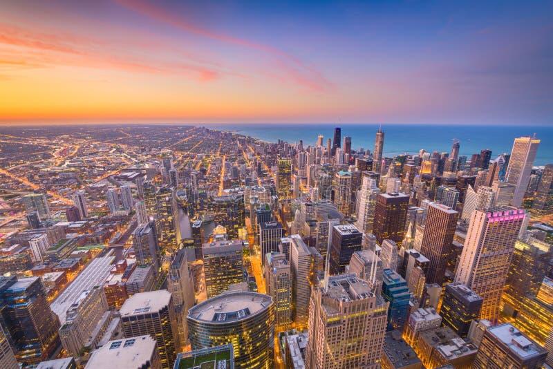 Horizon de Chicago, l'Illinois, Etats-Unis au crépuscule photographie stock libre de droits