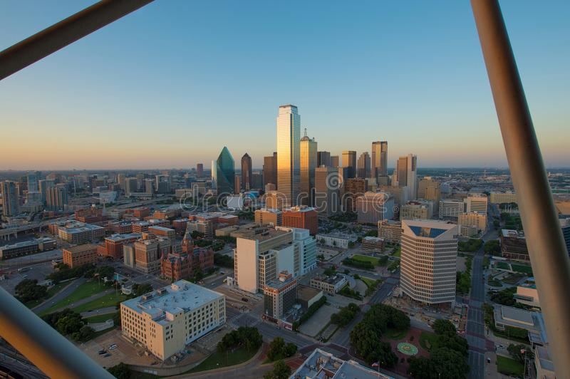 Horizon de Dallas City au coucher du soleil, le Texas, Etats-Unis photographie stock