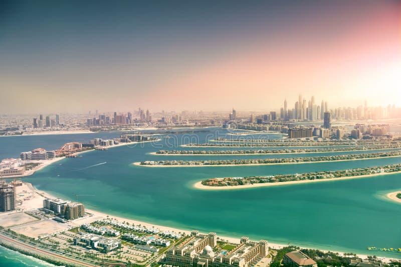 Horizon de Dubaï d'île de paume, Emirats Arabes Unis image libre de droits