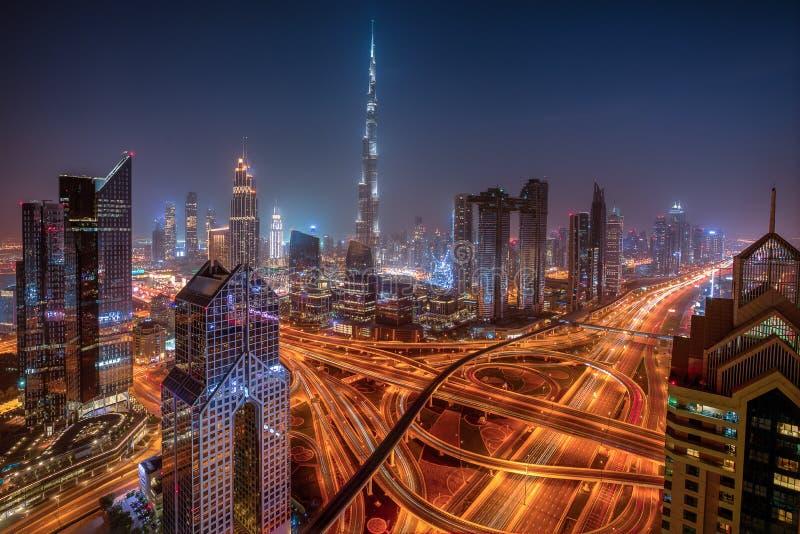 Horizon de Duba? pendant le lever de soleil, Emirats Arabes Unis photographie stock