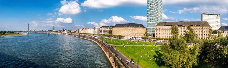 Horizon de Dusseldorf l'allemagne images libres de droits