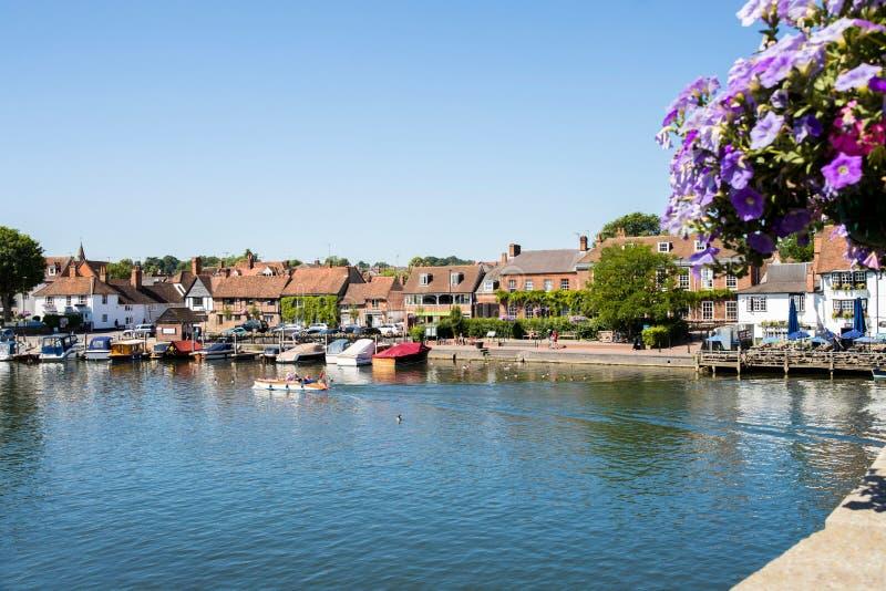 Horizon de Henley On Thames In Oxfordshire R-U avec la Tamise photos libres de droits