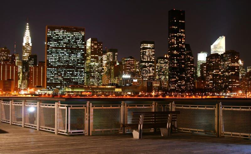 Horizon de Manhattan la nuit photo stock