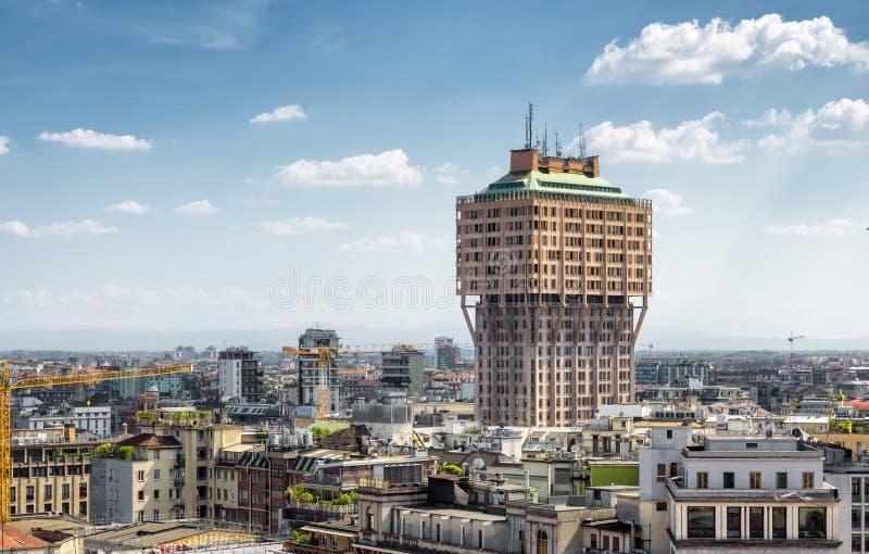Horizon de Milan avec la tour de Velasca photos libres de droits