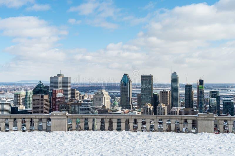 Horizon de Montréal en hiver 2016 images stock
