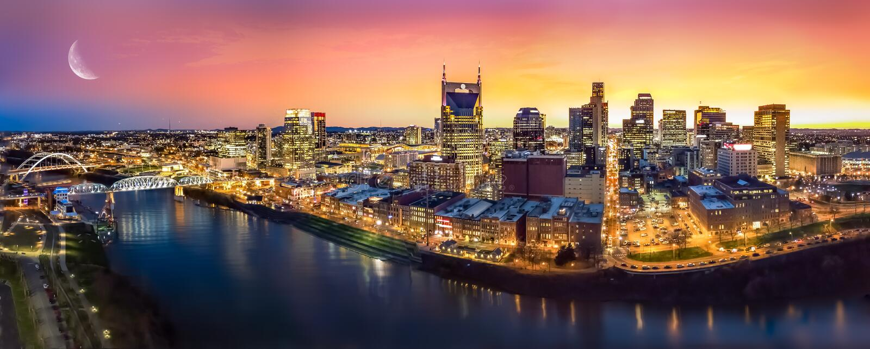 Horizon de Nashville avec la lune images libres de droits