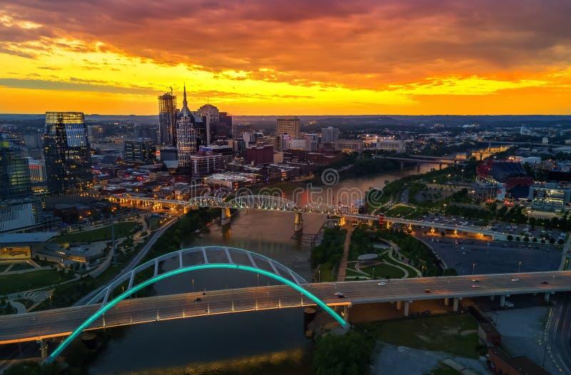 Horizon de Nashville avec le coucher du soleil photo stock