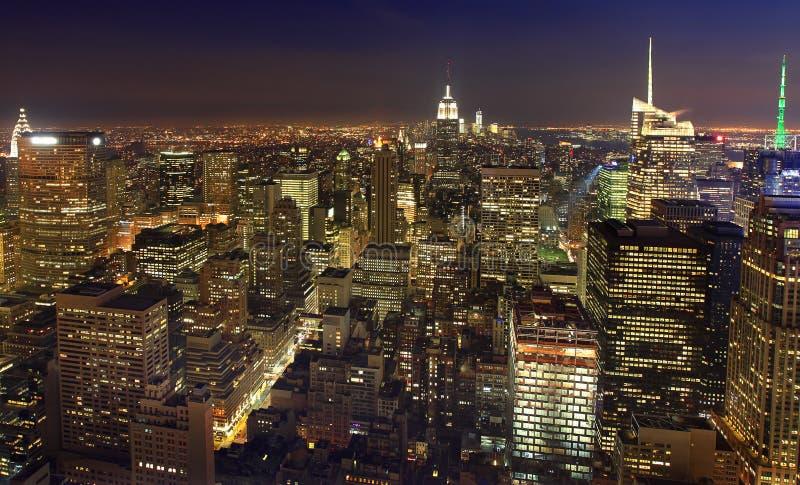 Horizon de New York City la nuit, NY, Etats-Unis images stock