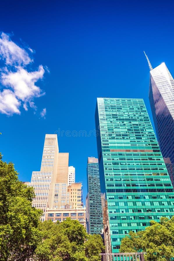 Horizon de New York de Bryant Park images stock