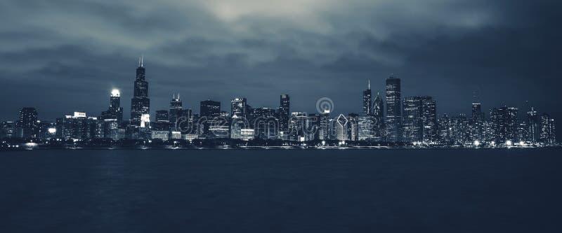 Horizon de nuit de Chicago images stock