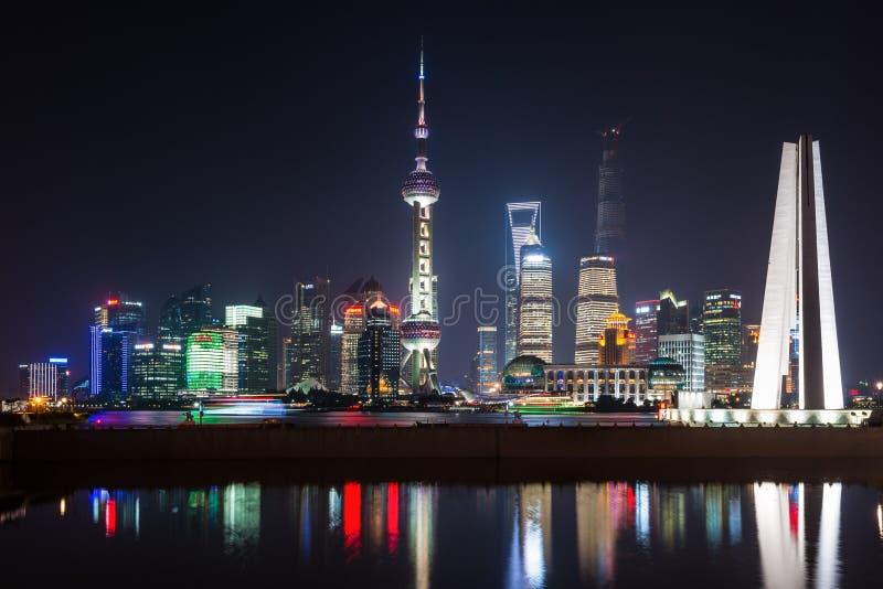 Horizon de nuit de Changhaï photographie stock libre de droits