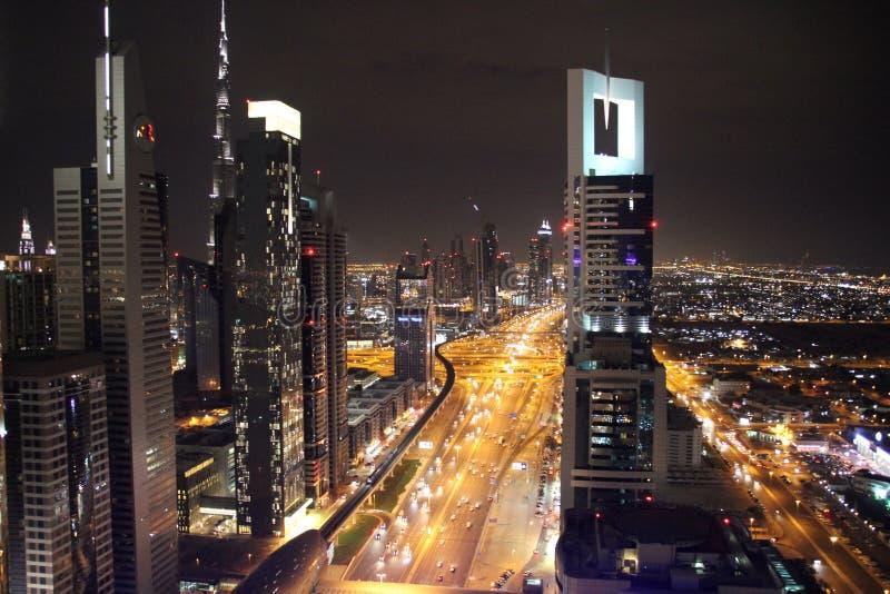Horizon de nuit de Dubaï photographie stock