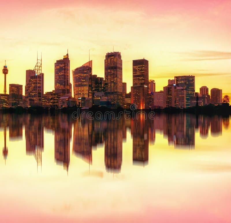 Horizon de nuit de Sydney, Australie photographie stock libre de droits