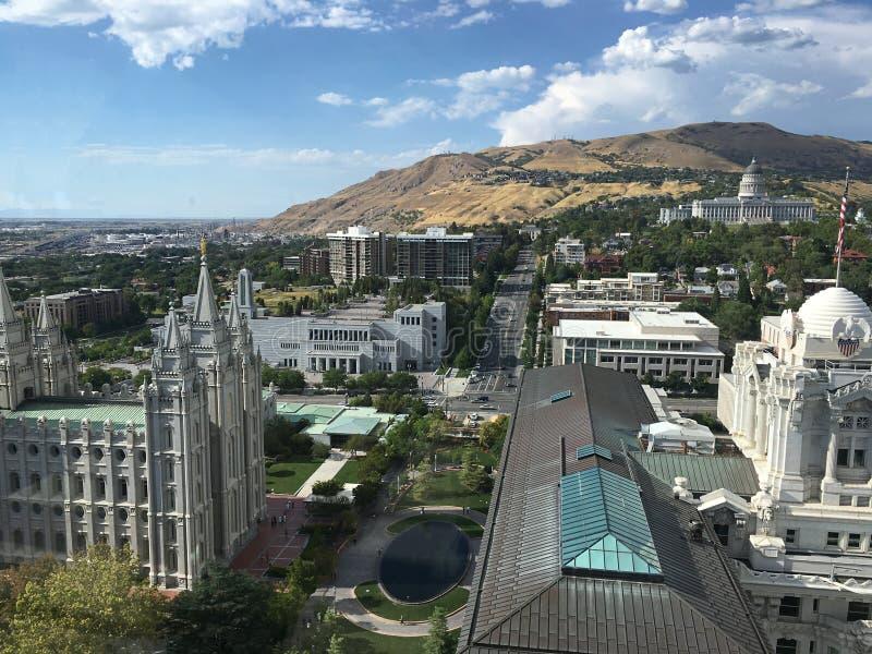 Horizon de Salt Lake City avec le temple mormon images stock
