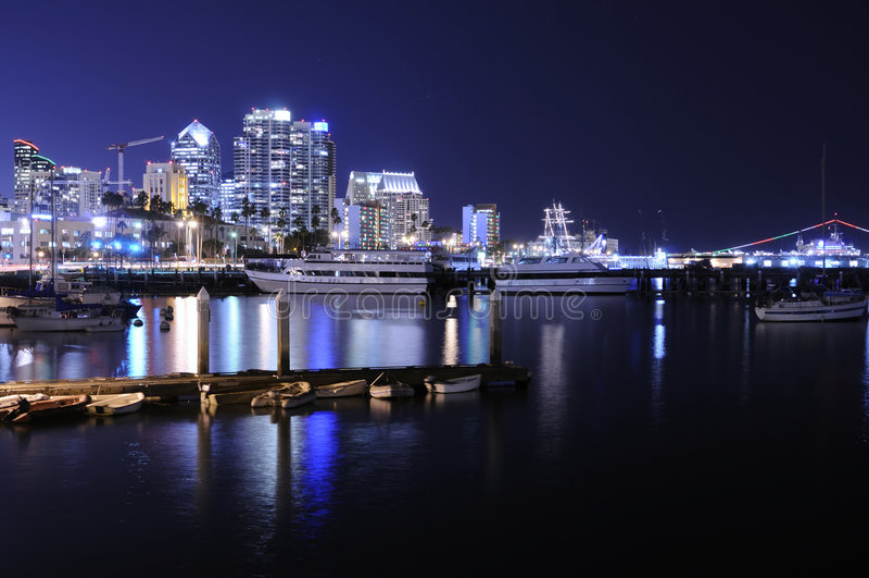 Horizon de San Diego la nuit photos stock