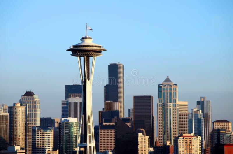 Horizon de Seattle au coucher du soleil, l'état de Washington. photographie stock libre de droits