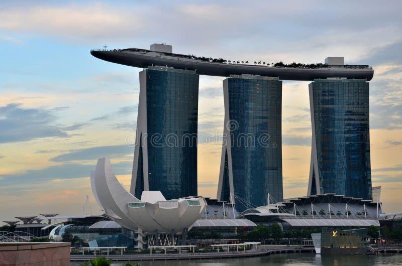 Horizon de Singapour avec le musée de Marina Bay Sands ArtScience images stock