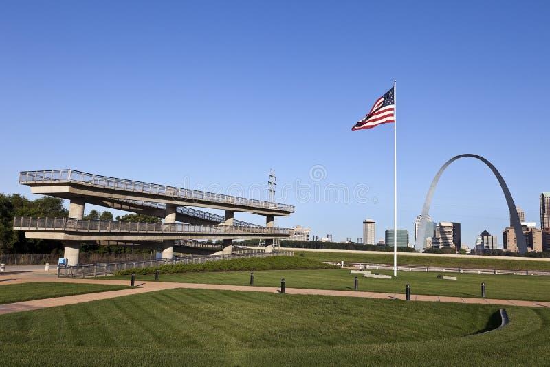 Horizon de St Louis et surveillance de Fleuve Mississippi image libre de droits