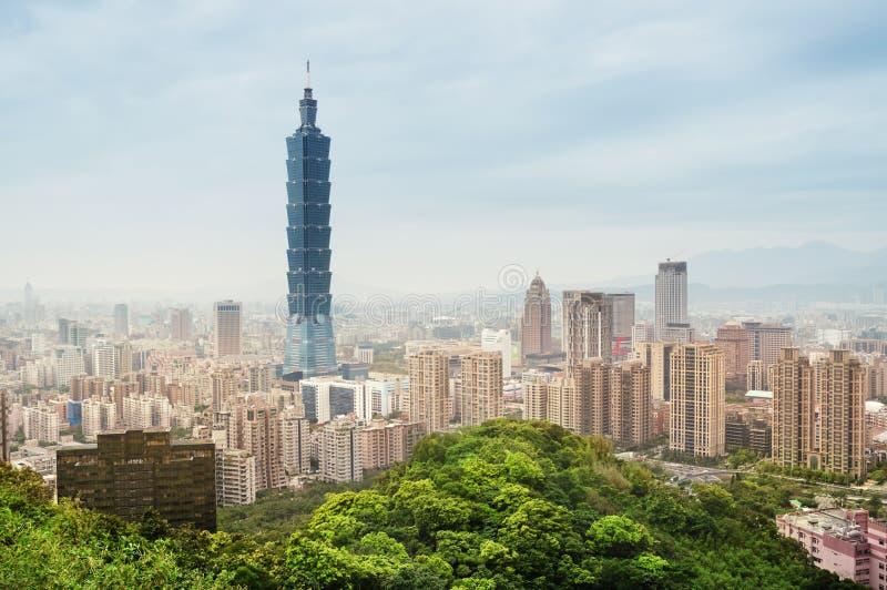 Horizon de Taïpeh - Taïwan. photographie stock libre de droits
