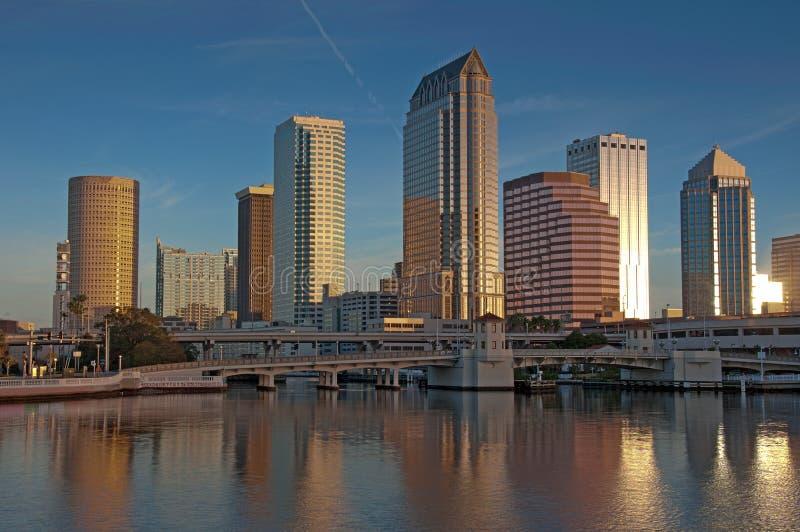 Horizon de Tampa d'hôtels et de bureaux photographie stock
