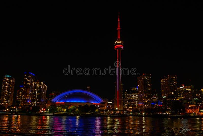 Horizon de Toronto au coucher du soleil images libres de droits