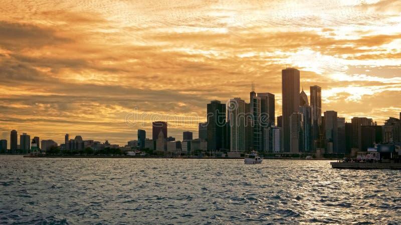 Horizon de Van de binnenstad van Chicago bij Zonsondergang in Chicago, Illinois stock fotografie