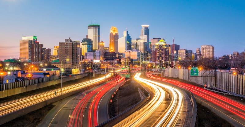 Horizon de van de binnenstad van Minneapolis in Minnesota, de V.S. stock afbeeldingen