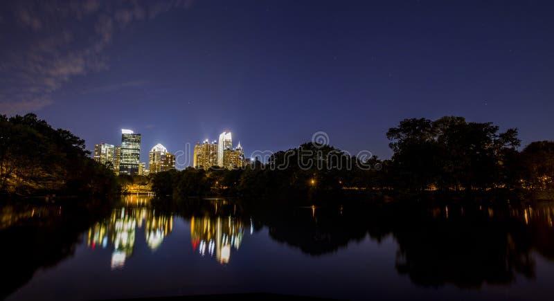 Horizon de van de binnenstad van Atlanta royalty-vrije stock afbeelding