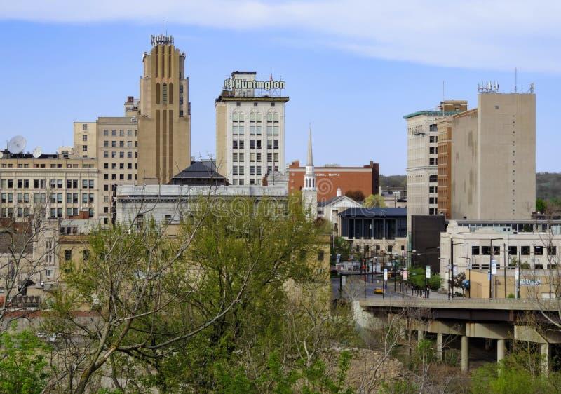 Horizon de van de binnenstad van Youngstown Ohio stock foto