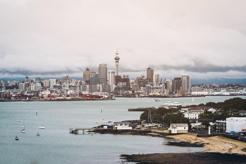 Horizon de ville d'Auckland, Nouvelle Zélande photos stock