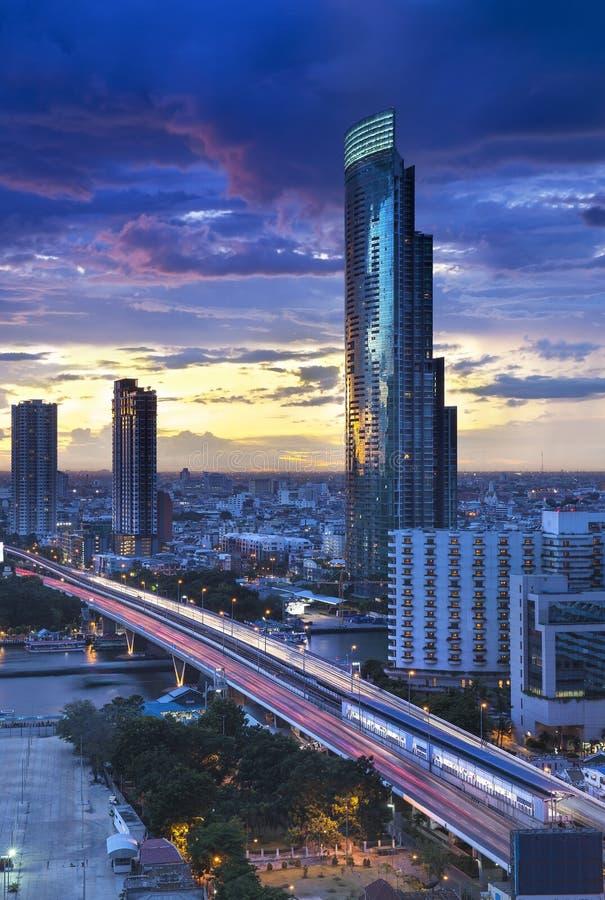 Horizon de ville de Bangkok avec le fleuve Chao Phraya, Thaïlande images libres de droits