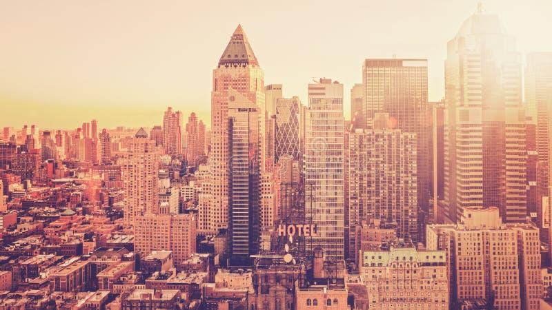 Horizon de ville de matin images stock
