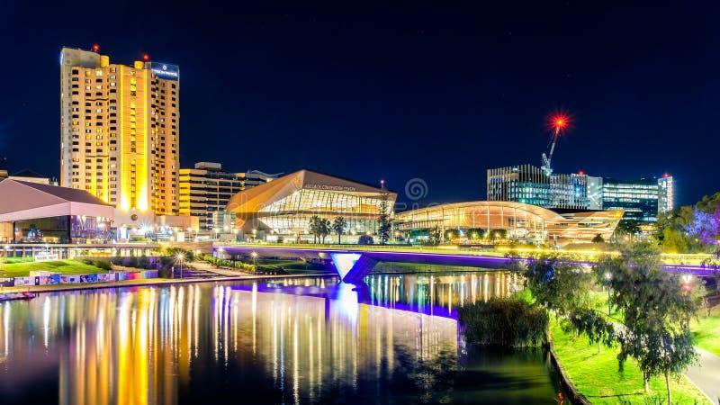 Horizon de ville de nuit d'Adelaïde photos libres de droits