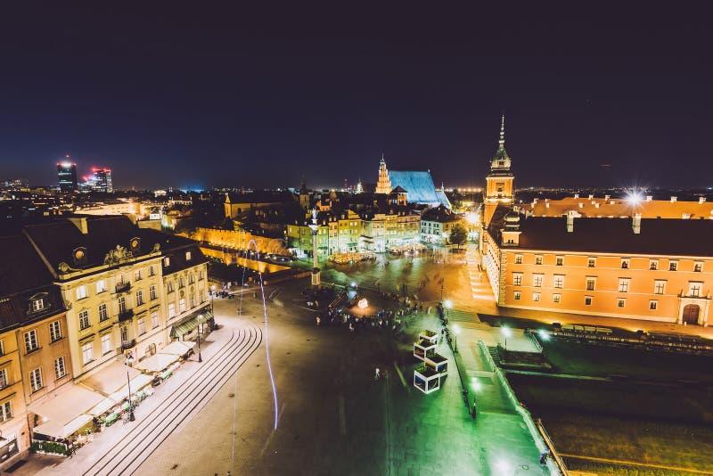 Download Horizon De Ville De Varsovie Par Nuit Image stock - Image du nuit, château: 87708057