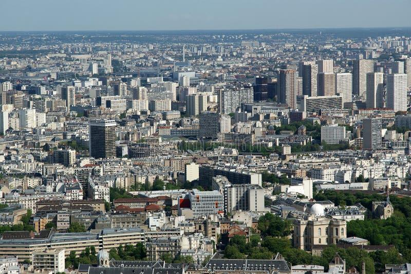 Horizon de visualisateur et de ville de télescope à la journée. Paris image stock