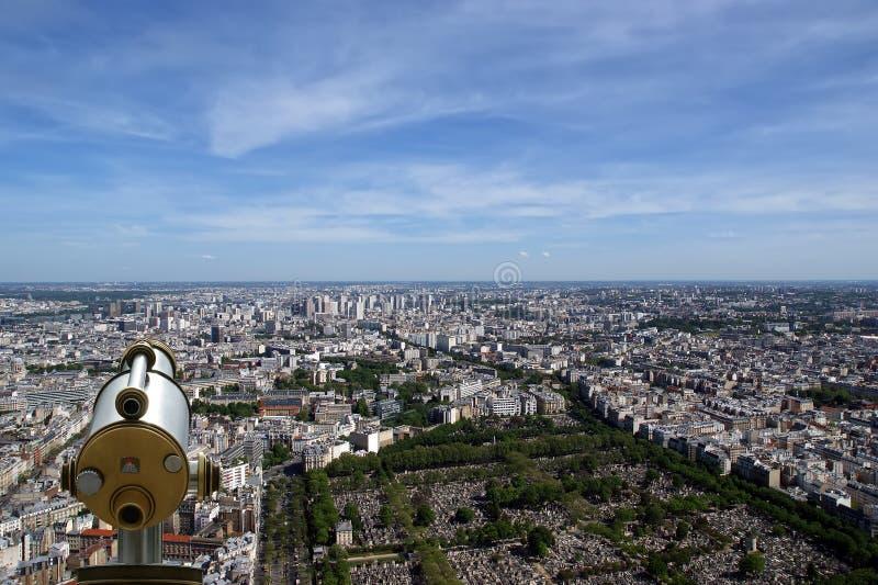 Horizon de visualisateur et de ville de télescope à la journée. Paris photos stock