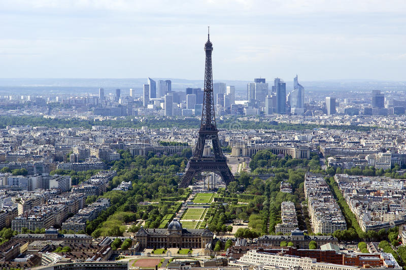 Horizon de visualisateur et de ville de télescope à la journée. Paris photo libre de droits