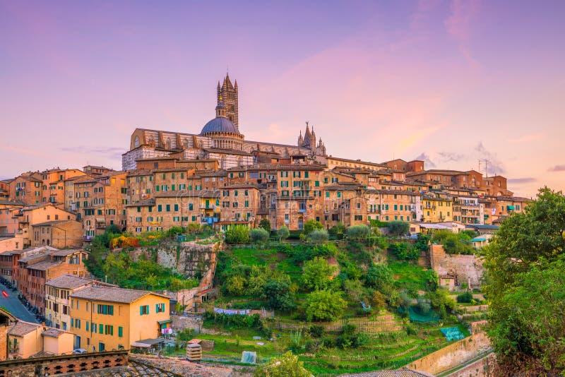 Horizon du centre de Sienne en Italie photographie stock